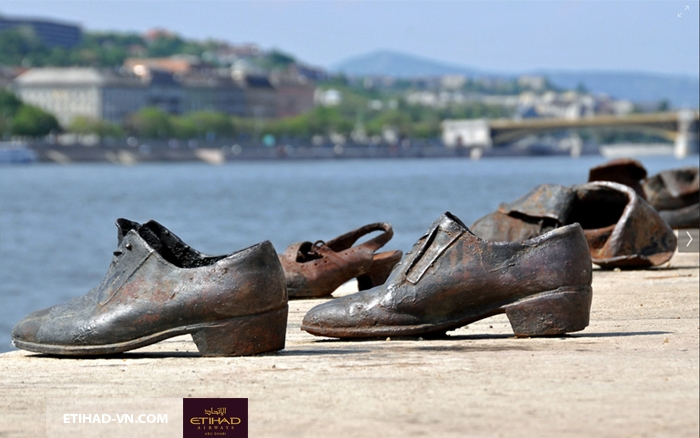 The Shoes on the Danube Promenade2
